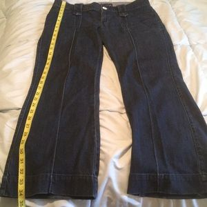 Boho jeans! Cute square pockets with snap detail